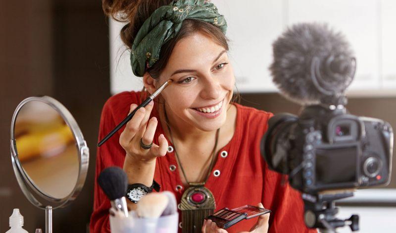 female-cosmetologist-presents-info