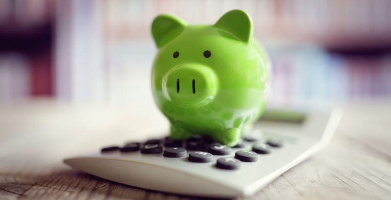 piggy-bank-with-calculator