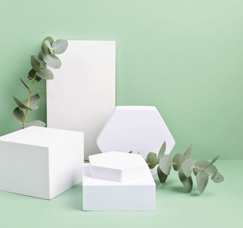 podium-stand-for-product-presentation-and-eucalyp