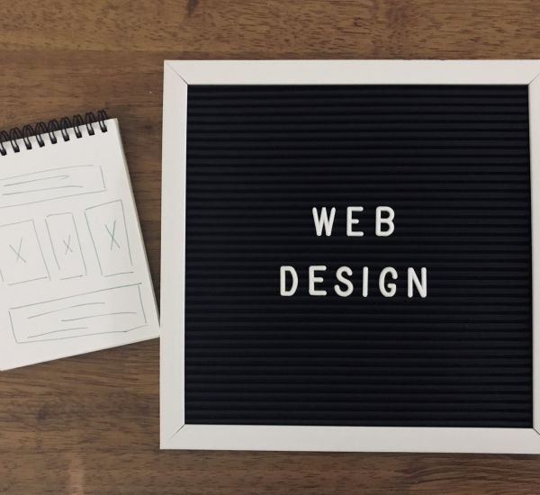web-design-concept-on-wooden-background-XYUKMZE